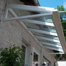 Vordach aus Aluminium